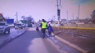 Полиция спасает Добрые поступки полицейских 2