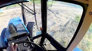 Трактор БЕЛАРУС МТЗ 1221 вид с кабины