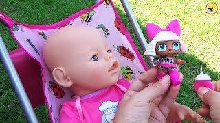 Дочки матери с пупсом Играем, кормим малыша Дарим сюрприз ЛОЛ Развивающее видео для детей