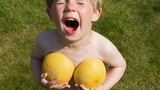 FUNNY VINE Самые смешные дети исследуют мир на природе 2 Funny Babies in Outdoor