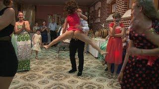 Прикольные Танцевальные БАТЛЫ на Свадьбах