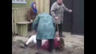 Приколы 2015 Пьяные Российские разборки Бабки лихо замочили алкашку